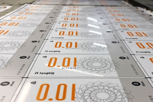 stencil.share talk 1 - Bitcoin Smart Banknotes Launched in Singapore