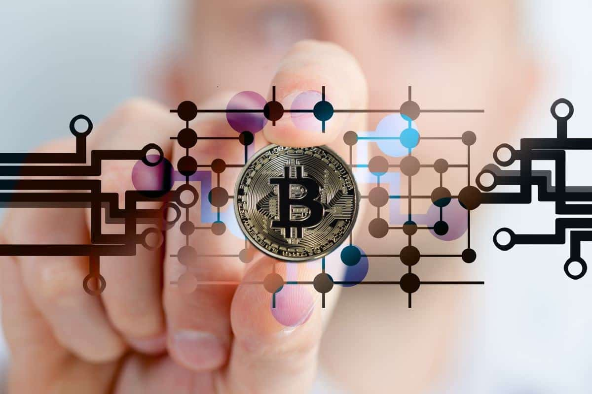 bitcoin 1 - Bitcoin Price Smashes Past $11,000 – Rushes to 15-Month High