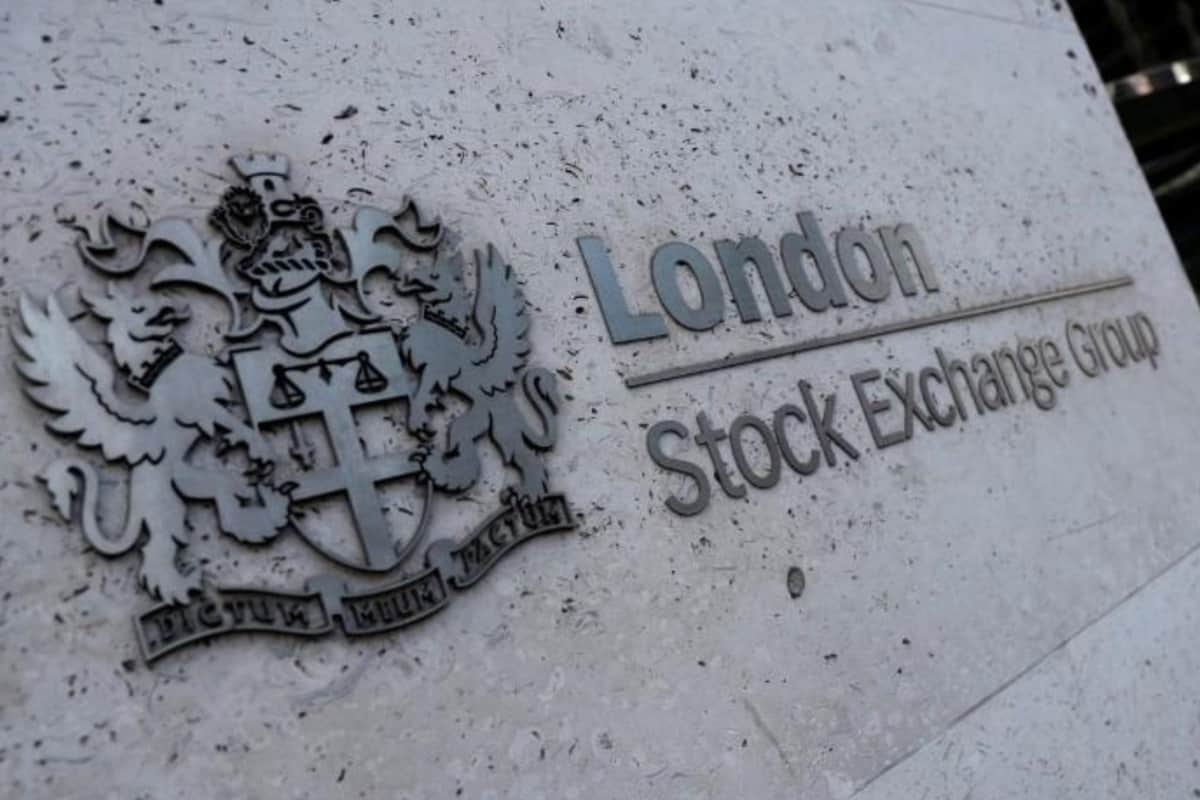 stock - FTSE 100 climbs 16% from lows on stimulus effect